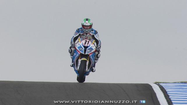Vittorio_Iannuzzo_Grillini_Dentalmatic_SBK_BMW_S1000RR_Superbike_2013_Europa_Donington_Park_01