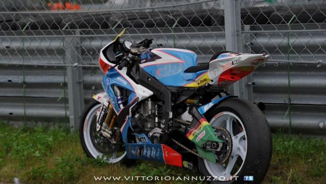 Vittorio_Iannuzzo_Grillini_Dentalmatic_SBK_BMW_S1000RR_Superbike_2013_Russia_Moscow_Raceway_04