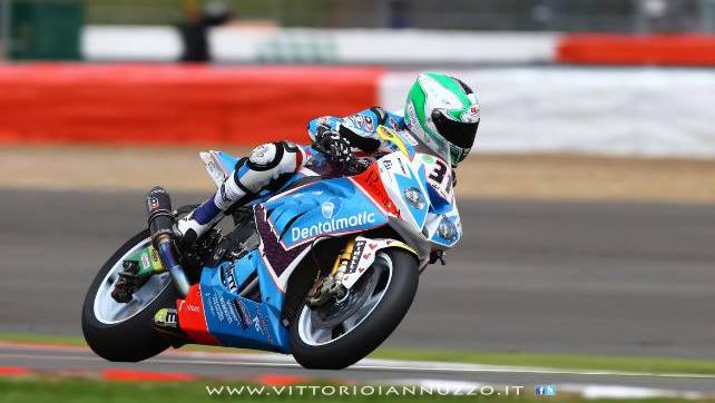 Vittorio_Iannuzzo_Grillini_Dentalmatic_SBK_BMW_S1000RR_Superbike_2013_Inghilterra_Silverstone_01