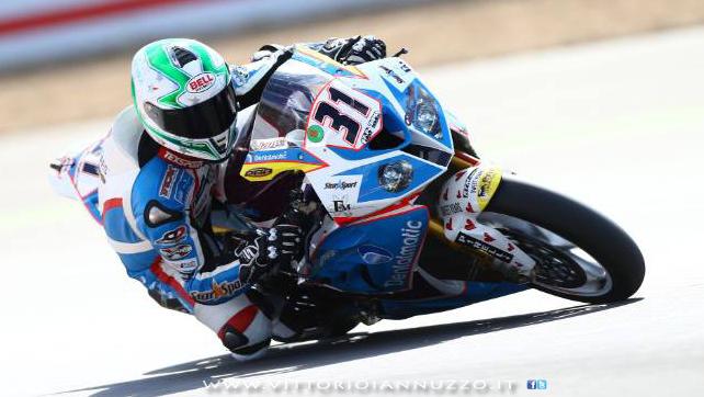 Vittorio_Iannuzzo_Grillini_Dentalmatic_SBK_BMW_S1000RR_Superbike_2013_Inghilterra_Silverstone_03