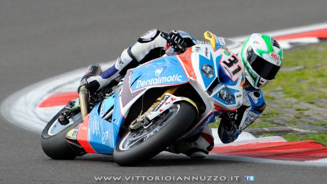 Vittorio_Iannuzzo_Grillini_Dentalmatic_SBK_BMW_S1000RR_Superbike_2013_Germania_Nurburgring_01