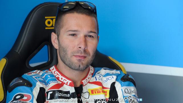 Vittorio_Iannuzzo_Grillini_Dentalmatic_SBK_BMW_S1000RR_Superbike_2013_Germania_Nurburgring_02