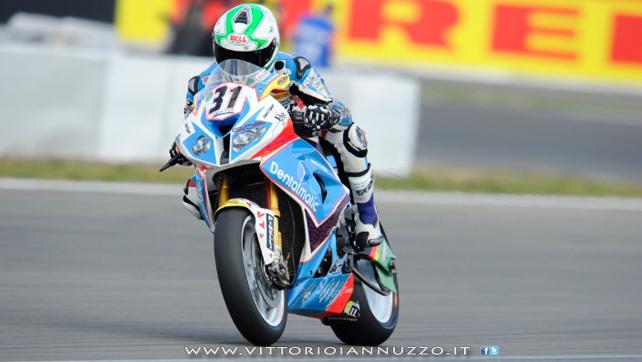 Vittorio_Iannuzzo_Grillini_Dentalmatic_SBK_BMW_S1000RR_Superbike_2013_Germania_Nurburgring_03