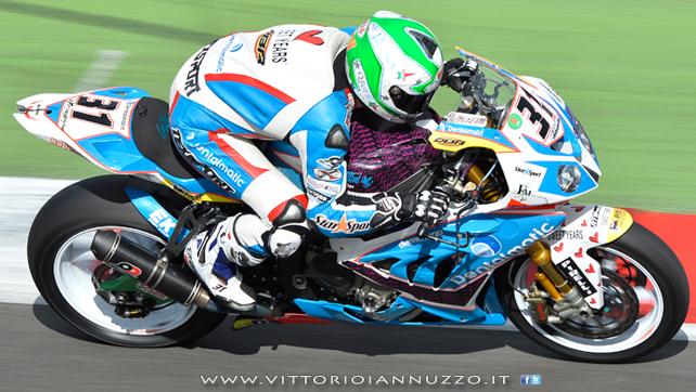 Vittorio_Iannuzzo_Grillini_Dentalmatic_SBK_BMW_S1000RR_Superbike_2013_Inghilterra_Silverstone_13