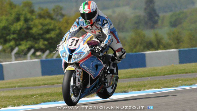 Vittorio_Iannuzzo_Grillini_Dentalmatic_SBK_BMW_S1000RR_Superbike_2013_Europa_Donington_Park_27