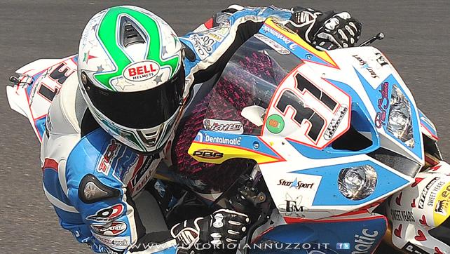 Vittorio_Iannuzzo_Grillini_Dentalmatic_SBK_BMW_S1000RR_Superbike_2013_Germania_Nurburgring_06