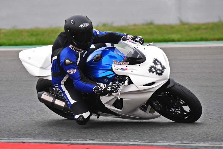 Vittorio_Iannuzzo_IDM_Supersport_HPC_Power_Suzuki_Germania_2014_Test_03