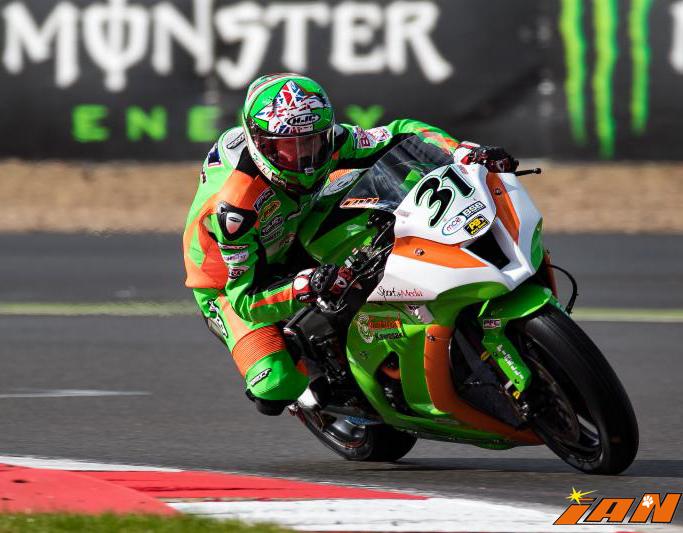 Vittorio_Iannuzzo_BSB_British_Superbike_MCE_Gearlink_Kawasaki_Ninja_ZX10_1000_Pirelli_Inghilterra_2016_Foto_Silverstone_GP