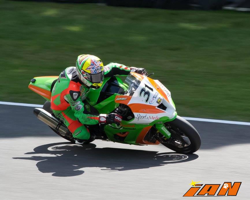 Vittorio_Iannuzzo_BSB_British_Superbike_MCE_Gearlink_Kawasaki_Ninja_ZX10_1000_Pirelli_Inghilterra_2016_Foto_Brands_Hatch
